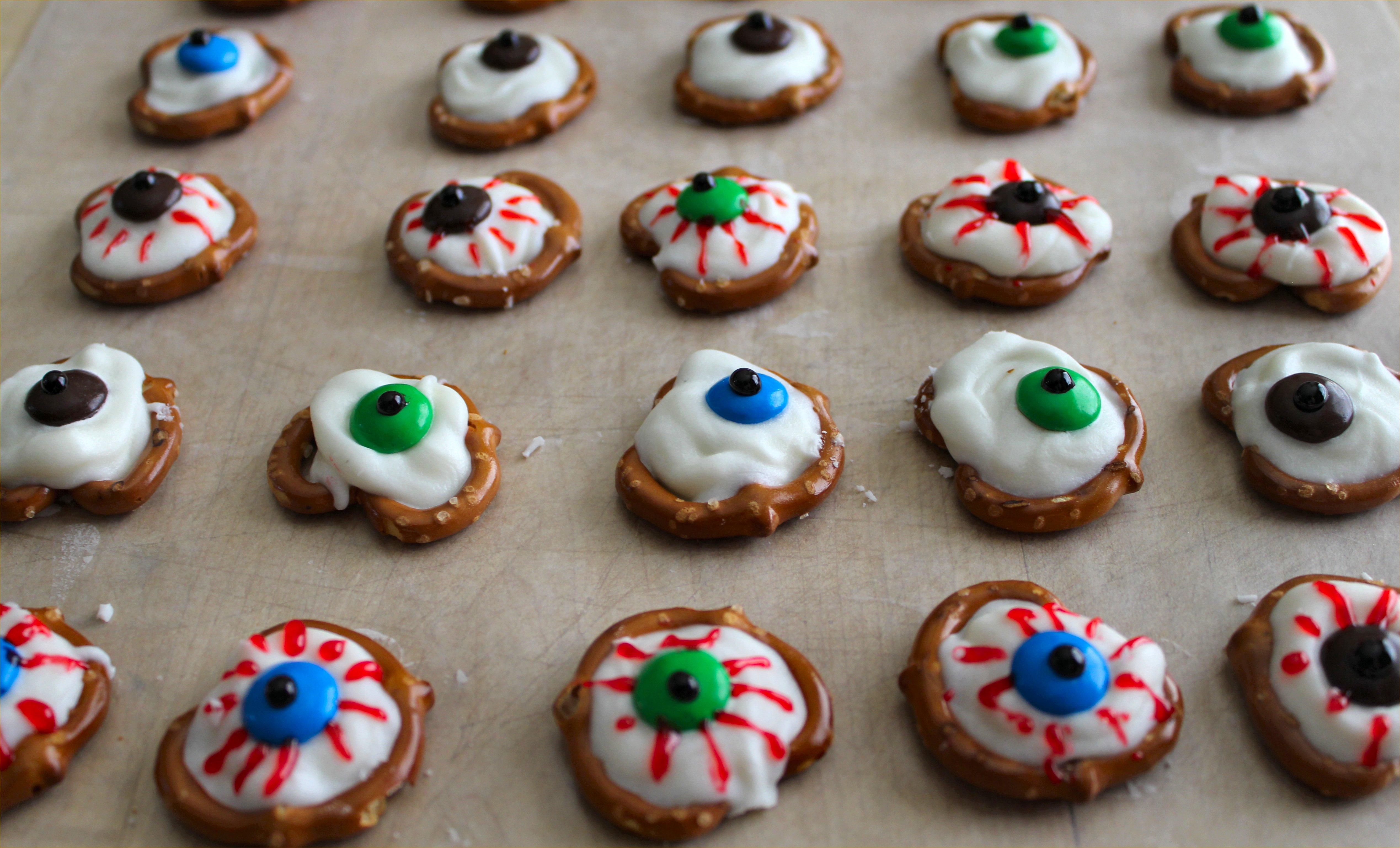 Sweet, Spooky Treats for Halloween!   Inside NanaBread's Head