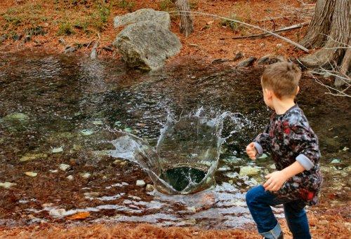 LeakeyTX - Jonah Tossing Rocks