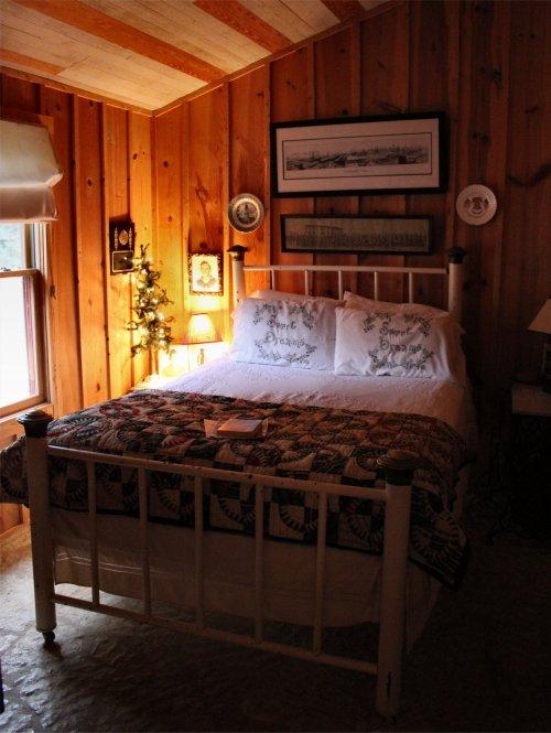LeakeyTX - Second Bedroom