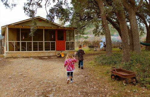 LeakeyTX - St Clares Cabin & Kids