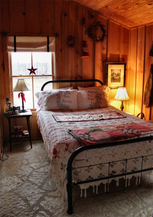 LeakeyTX - The Cowboy Bedroom