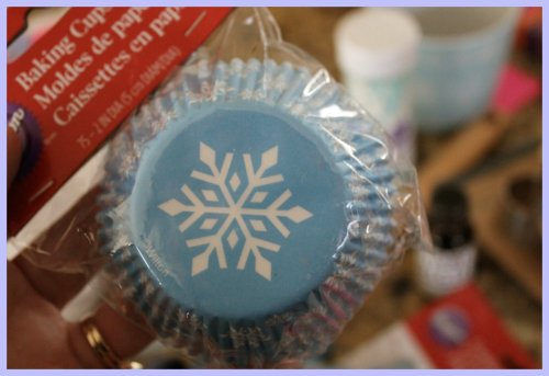 OKMH Dec - Snowflake Baking Cups