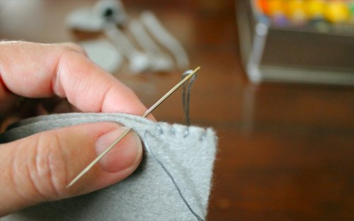 Felt Mouse Tutorial - Evenly Spaced Stitches are Key