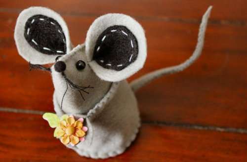 Felt Mouse Tutorial - Finished Mouse - Hello Cutie