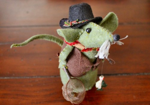 Felt Mouse Tutorial - Grandpa FisherMouse - Basket Side