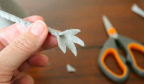 Felt Mouse Tutorial - Hands - Trim Triangles Out to form Fingers
