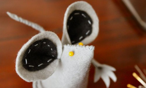 Felt Mouse Tutorial - Testing Eye Placement With Pins