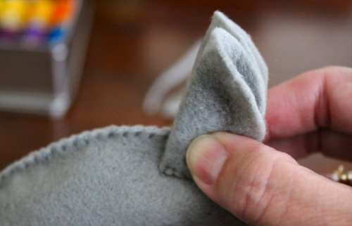 Felt Mouse Tutorial - To Place 2nd Ear - Line Up with First