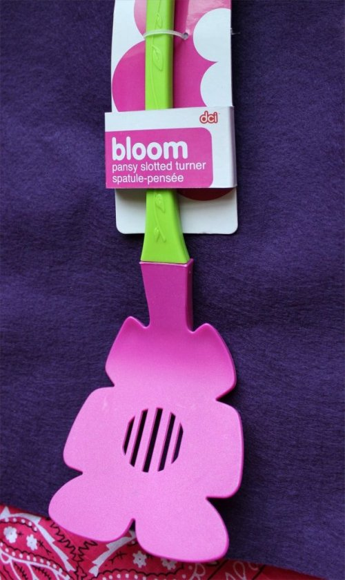 OKMH - April 2013 - Flower Spatula