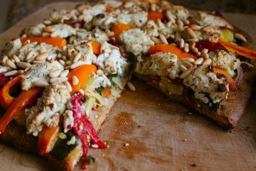 Veggie Pizza - Dig in!