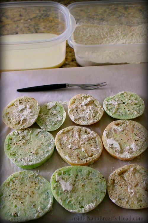 Fried Green Tomatoes - Dredged
