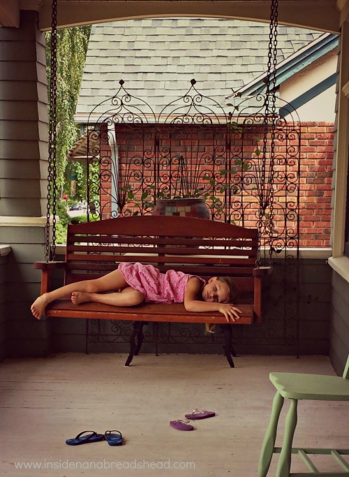 Ogden Rental House - Lilly & the Porch Swing