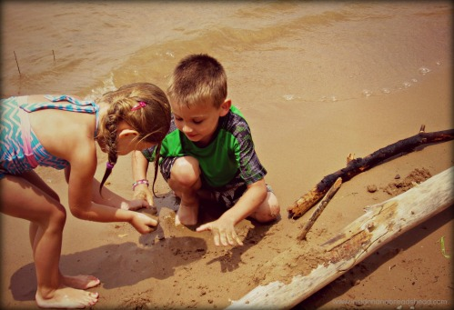 Pineview Reservoir - Lilly & Jonah in the sand