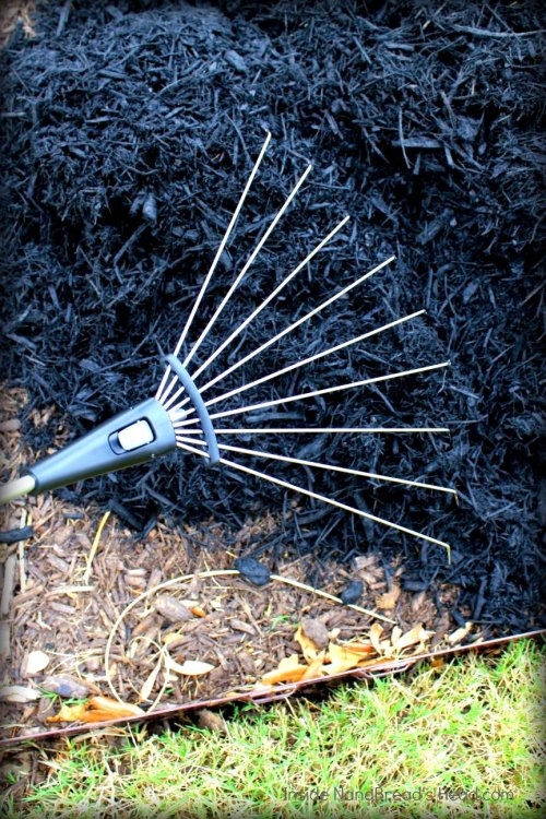OXO Hand Rake - Fully Expanded